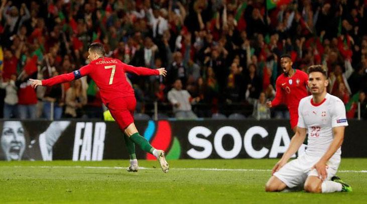Segel Tiket ke Final, Cristiano Ronaldo Hattrick Melawan Swiss